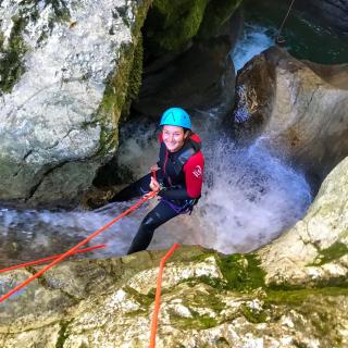 descente de Coiserette à Saint Claude en canyoning/une des référence du canyoning France dans le jura